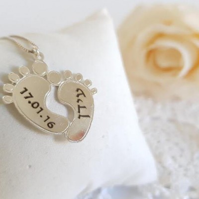 Baby Custom name necklace Engraving Baby Feet Pendant sterling silver Name Jewelry Personalized Engraved Gift Baby Shower gift New Mom Gift