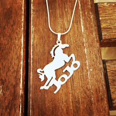 Horse Personalized Necklace / Horse Lover Name Necklace / Horse Nameplate Necklace /Horse Lover / Gift for Horse Lover / Equestrian Jewelry