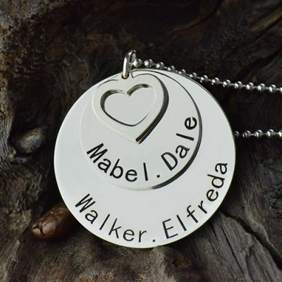 Disc Family Pendant Necklace Engraved Names in Silver - Name My Jewelry ™