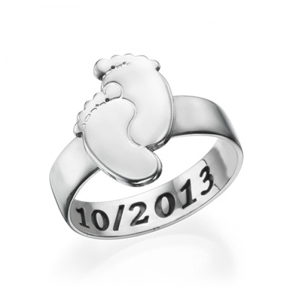 Engraved Baby Feet Ring - Name My Jewelry ™