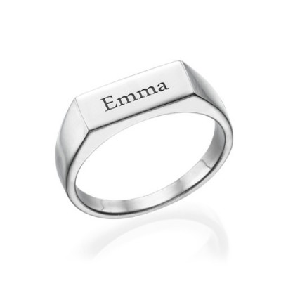 Engraved Signet Ring in Sterling Silver - Name My Jewelry ™