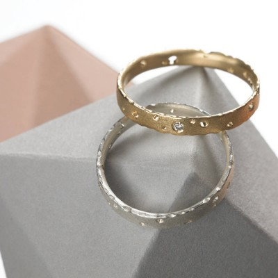 Precious 18ct Gold Ring Set With Diamonds - Name My Jewelry ™