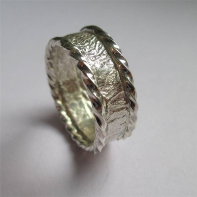 Rocky Outcrop Twist Ring - Name My Jewelry ™