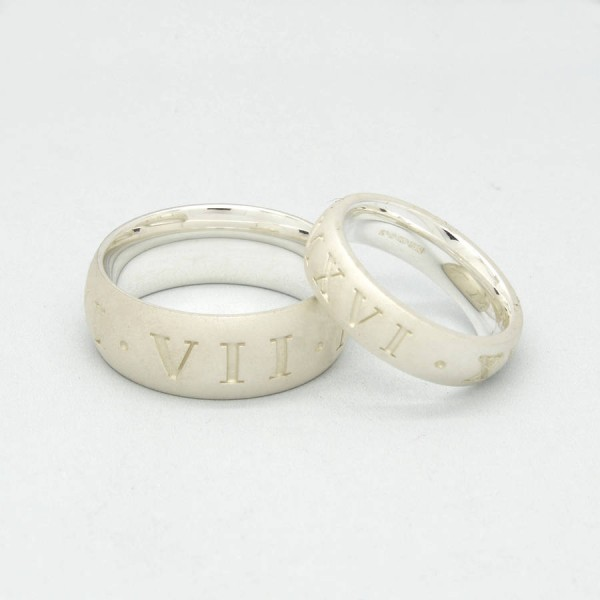 Silver Roman Numeral Ring - Name My Jewelry ™